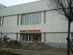"""Měštanský kulturní dům """"Titus-Forum"""" ve Frankfurtu"""