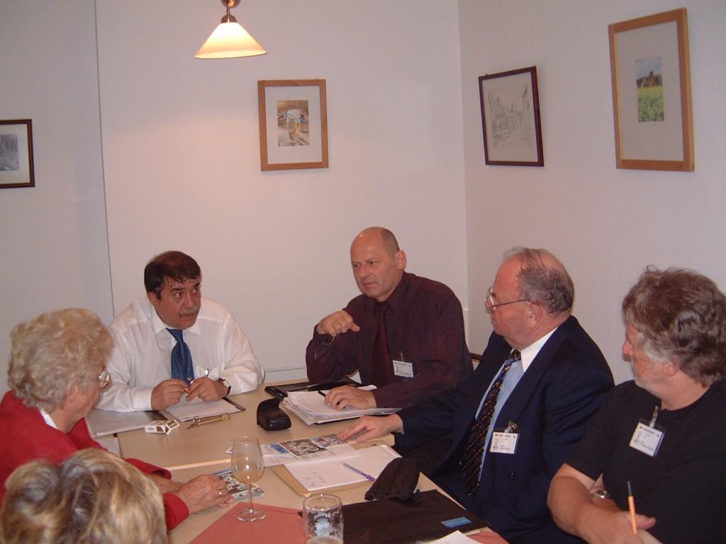 Frau Wurdinger, Otokar Löbl, Petr Šimáček, Peter Wagner, Andreas Kalckhoff (v.l.n.r.), ganz links verdeckt Uta Reiff