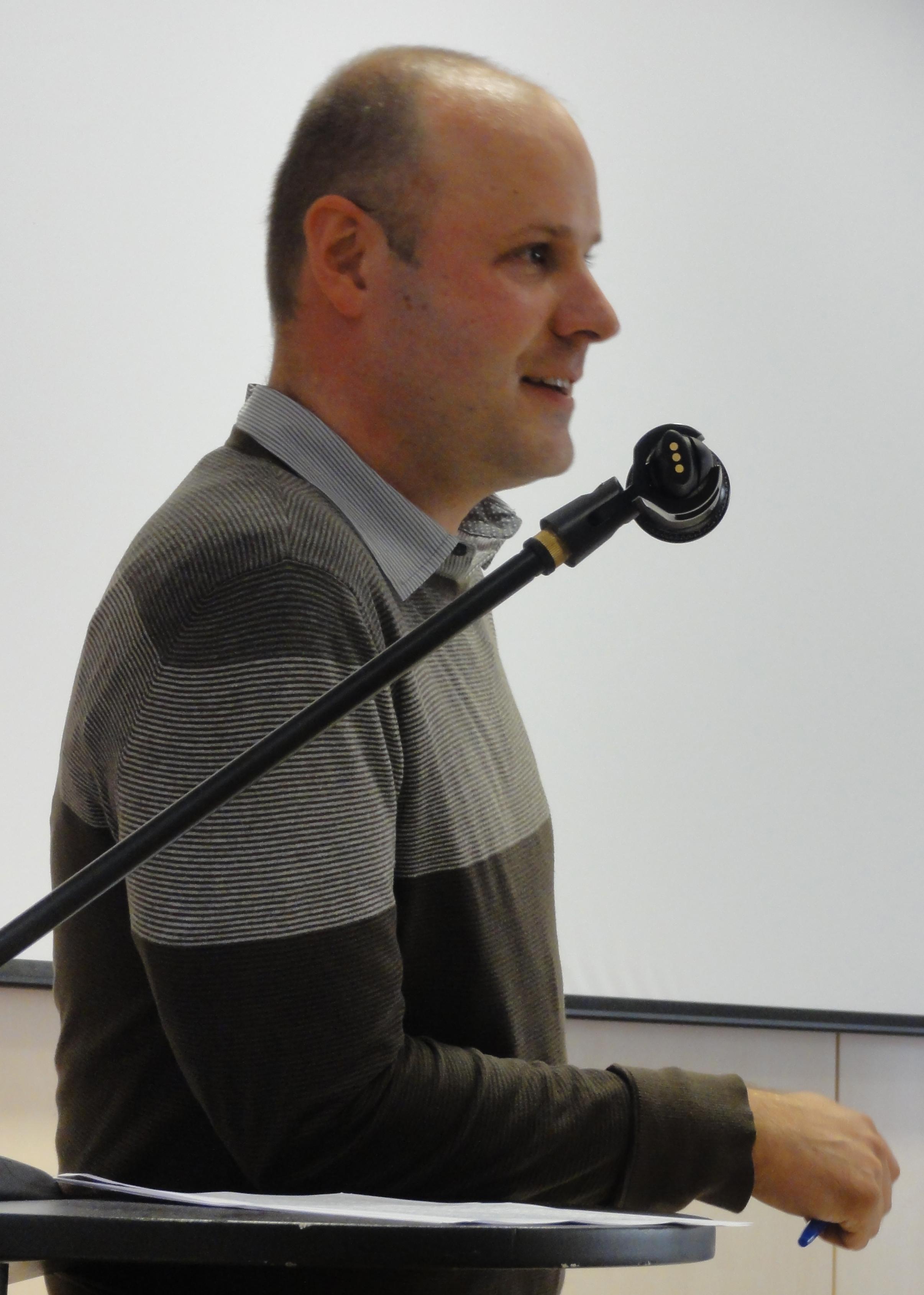 Dr. Lukáš Novotný