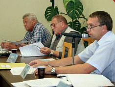 Zasedání zastupitelstva města Postoloprty 2.. října 2009, vpravo starosta Miroslav Hylák