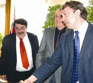O. Löbl, A. Reiff a starosta J. Hylák
