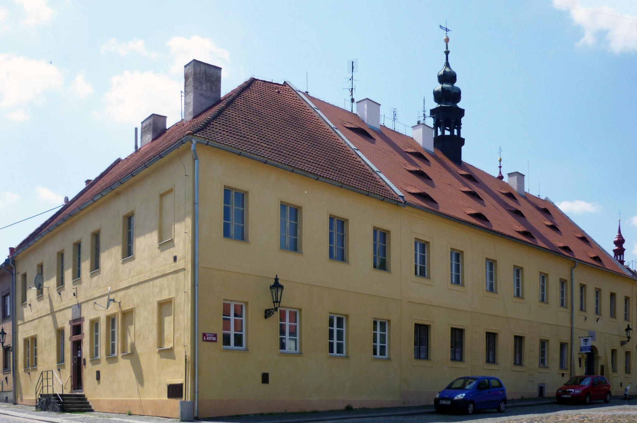 Das Alte Gymnasium in Saaz, ein mögliches Domizil für das Museum